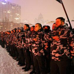По улицам Киева прошли суровые дружинники