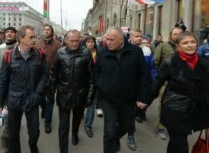 Андрей Макаревич поет о белорусской оппозиции
