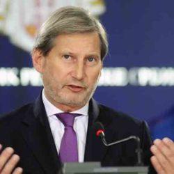 Потеплело — Еврокомиссар Йоханнес Хан: «Лукашенко должен посещать ЕС»