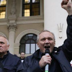 От перемены мест слагаемых сумма не меняется — правоцентристская коалиция предлагает белорусам выбрать единого кандидата в президенты