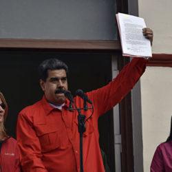 Венесуэла переживает украинский майдан. Кто победит: США или Николас Мадуро